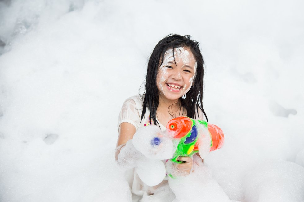 Asian Girl Soap Suds Squirt Gun Water Gun