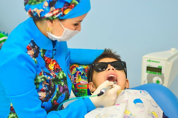 Dentist cleaning