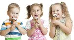 3 kids eating ice ream cones